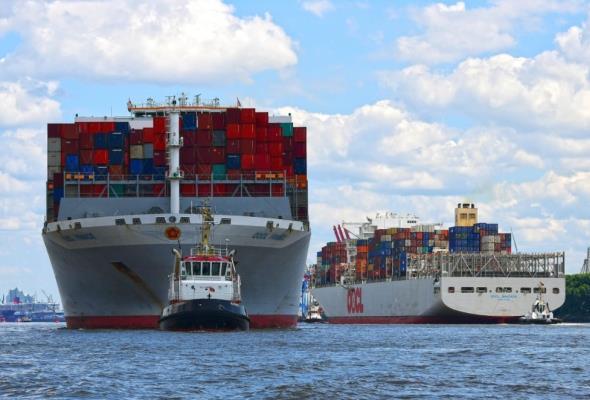 Port Hamburg wygrywa z konkurencją koleją