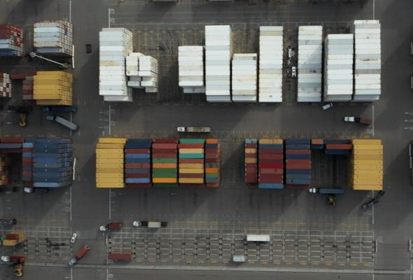GUS: Transport i gospodarka magazynowa kończą rok na minusie