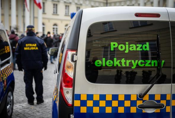 Samochody elektryczne dla ekopatrolu Straży Miejskiej w Warszawie