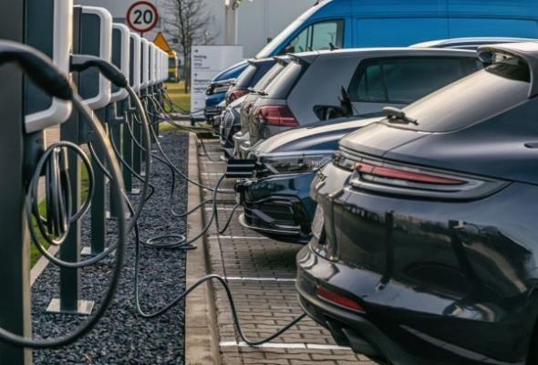 PSPA chce pełnej obniżki VAT od zakupu samochodów elektrycznych