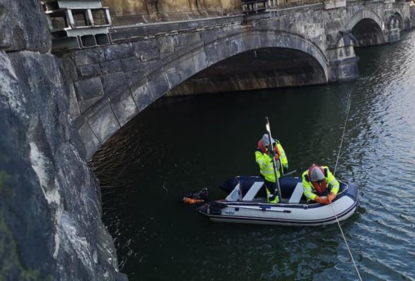 Wrocław. Nurkowie sprawdzali stan mostów Pomorskich