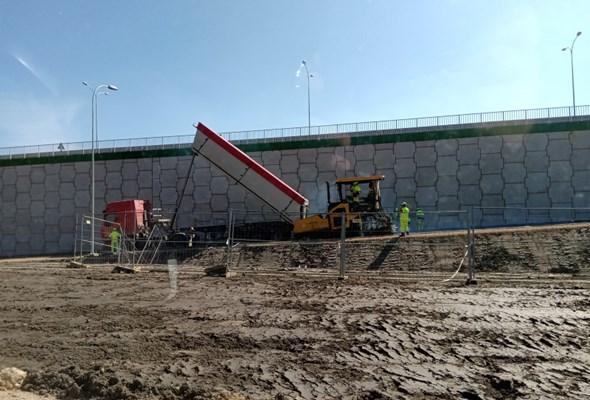 Na S7 przy węźle Skarżysko-Kamienna rozpoczęły się roboty bitumiczne