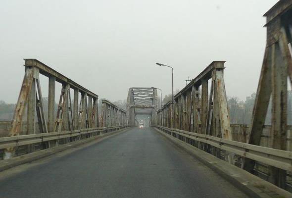 Rozpoczął się remont starego mostu w Cigacicach