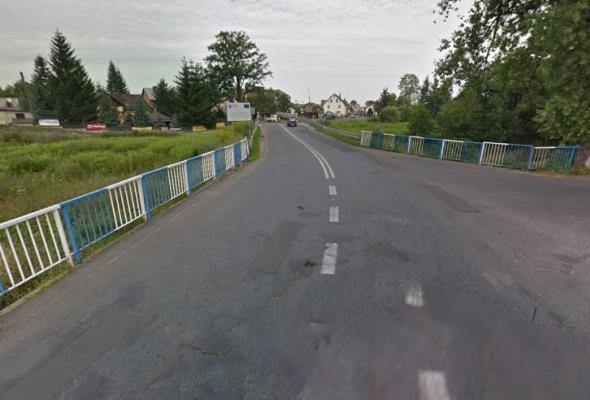 Ruszyła rozbiórka 120-letniego mostu w Kostrzycy