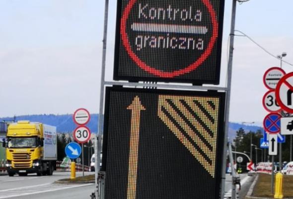 Emilewicz: Otwarcie granic możliwe po 15 czerwca