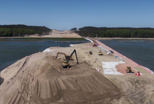 Co słychać na budowie kanału żeglugowego?