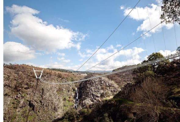 Półkilometrowy most wiszący w Portugalii ukończony