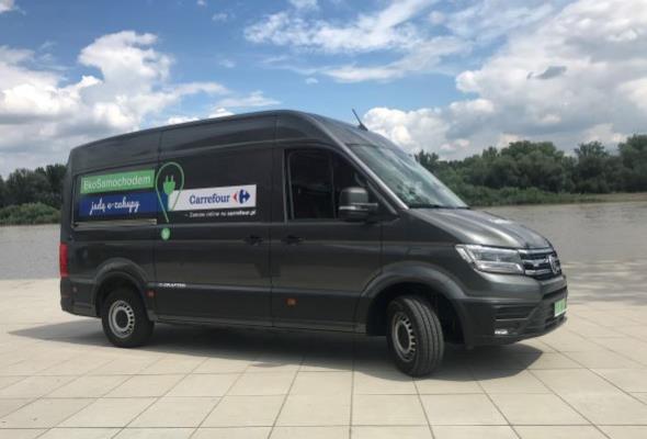Zakupy dostarczy auto na prąd. Carrefour ruszy z testami