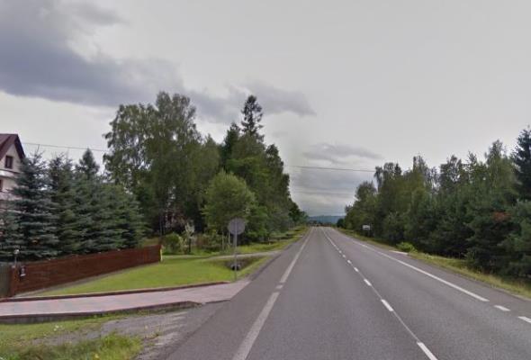 Bliżej dwujezdniowej drogi siódemki do granicy w Chyżnem