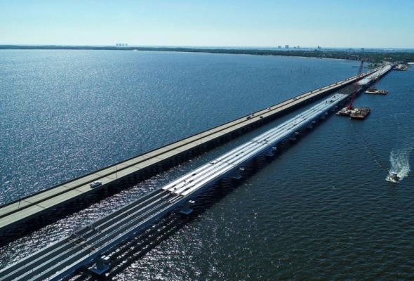 Floryda. Huragan Sally zmiótł część nowo wybudowanego mostu