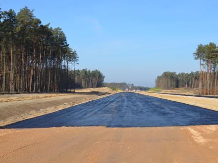 """Na """"chińskim"""" odcinku S14 jest pierwszy asfalt"""