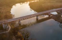 Krapkowice: Most kolejowy stał się drogowym