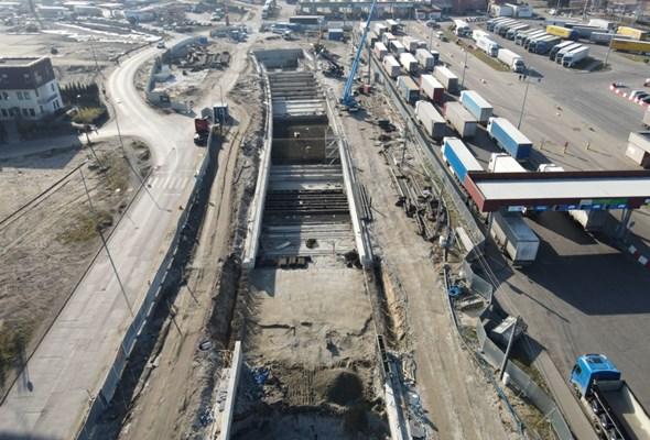 """""""Wyspiarka"""" zaczęła drążenie tunelu pod Świną. Morawiecki: Zachodniopomorskie to nasza racja stanu"""