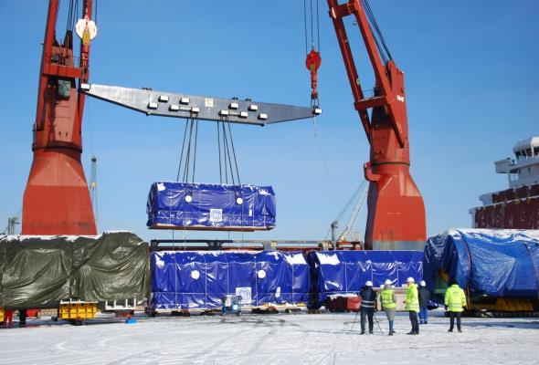 Olbrzymi transport wyruszył z Portu Gdynia