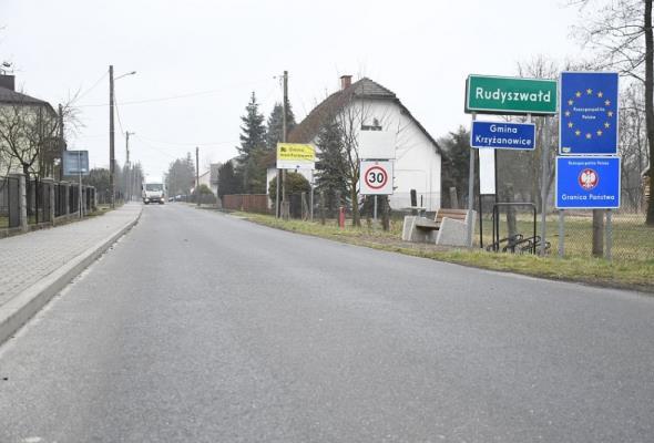 Śląskie. Droga w stronę granicy z Czechami otwarta
