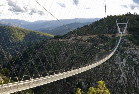 Portugalia. Najdłuższy most wiszący na świecie otwarty