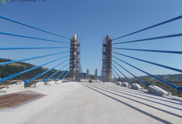 Finał budowy mostu w Kurowie jesienią. Jaki stan prac?