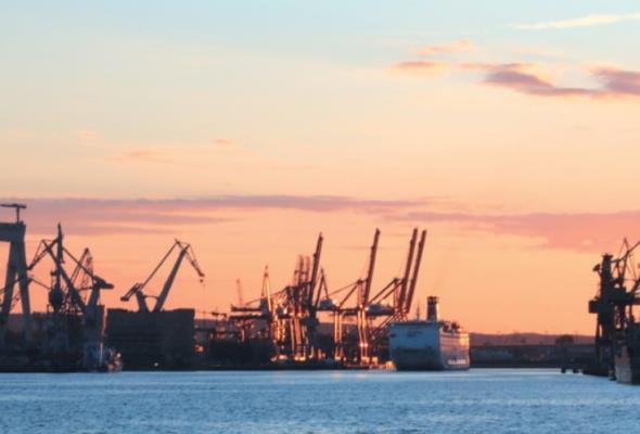 Port Gdynia zamyka półrocze wzrostem przeładunków