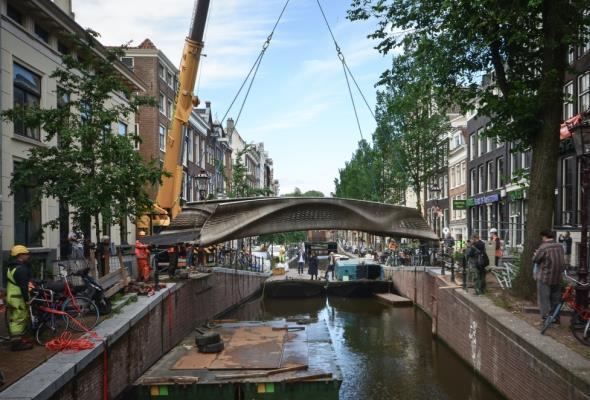 W Amsterdamie powstał most wydrukowany w technologii 3D