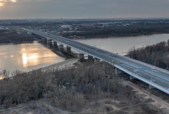 Warszawa. Sfrezują nawierzchnię na nowym moście. W ramach gwarancji