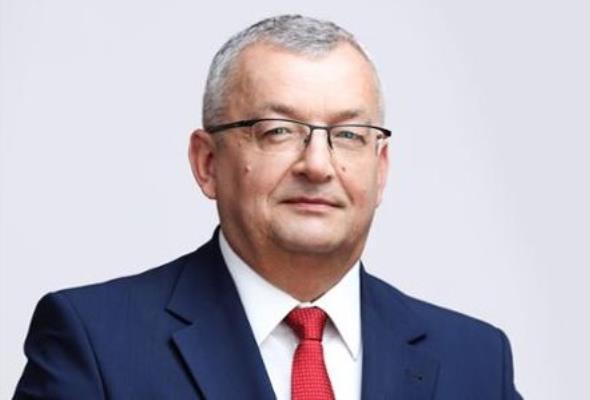 """Andrzej Adamczyk o przyszłości transportu: """"PKP Autobus"""" wypełni lukę ostatniej mili"""