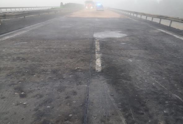 A4 koło Legnicy uszkodzona po wypadku. Trzeba zwolnić