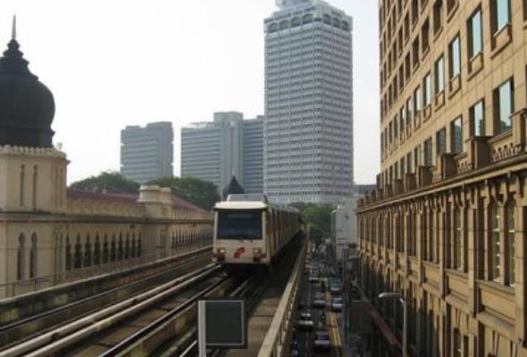 Prostowniki z Aleksandrowa Łódzkiego dla kolei aglomeracyjnej w Malezji