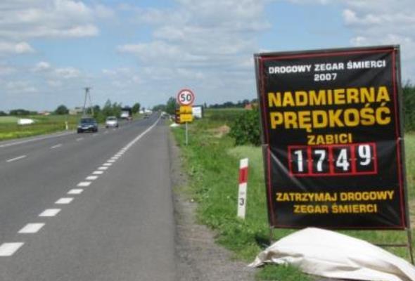 Polska musi poprawić zarządzanie bezpieczeństwem ruchu drogowego