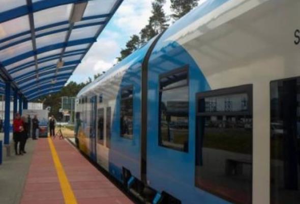 Szczecin-Goleniów: Pociąg lotniskowy jeździ pusty