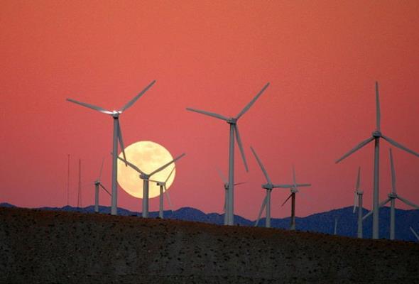 Prawie 75% nowych elektrowni w UE to OZE