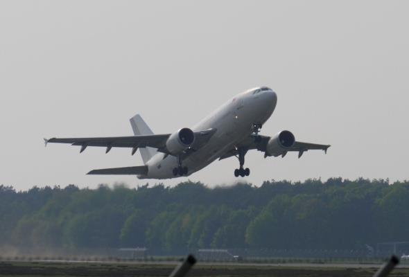 ZDG TOR: Ruch lotniczy wzrośnie o 50 procent do 2035 roku