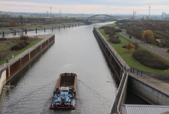 GUS: Duży spadek znaczenia żeglugi śródlądowej w przewozach towarów