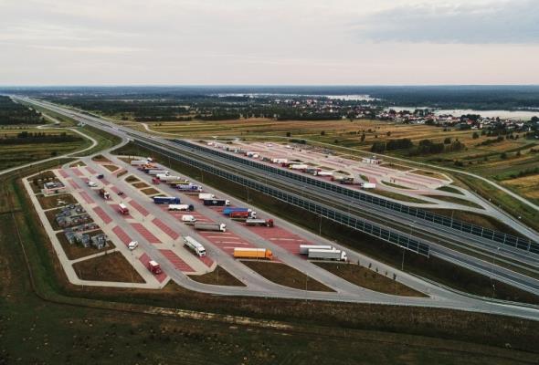Czy będą chętni zbudować stacje paliw przy A4?