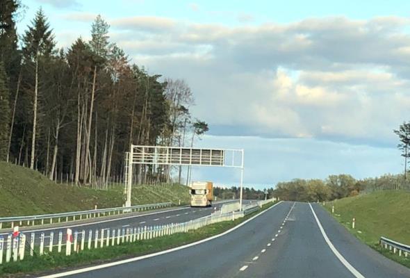 Kierowcy jeżdżą drugą jezdnią S6 Nowogard – Płoty