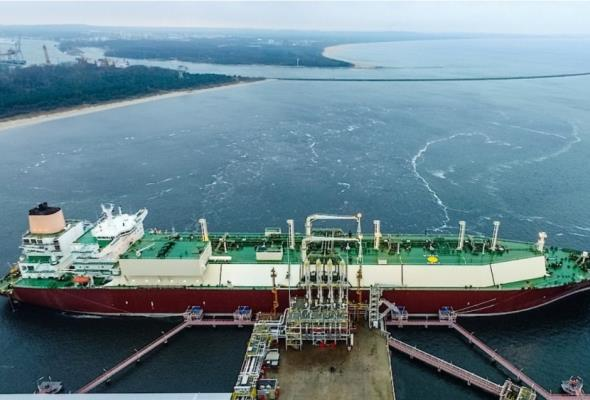 Terminal LNG w Świnoujściu w dalszej rozbudowie. Są umowy na 1,9 mld zł