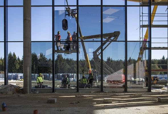 Szymany: Trwa budowa peronu przy lotnisku