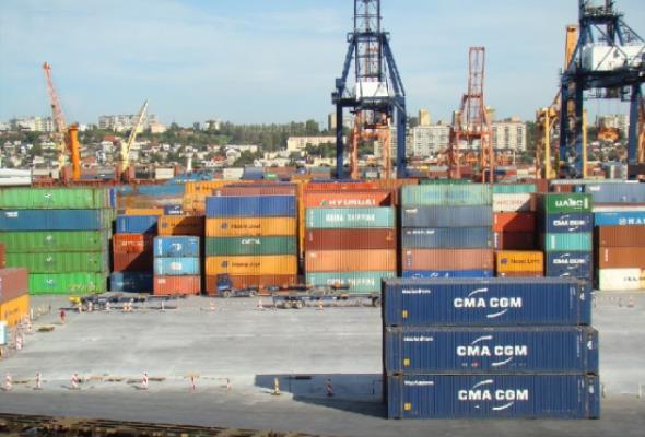 Terminal GCT Gdynia także zamawia nowe suwnice