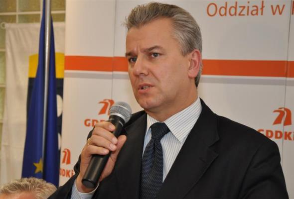 Spojrzenie po ośmiu latach – Cezary Grabarczyk o nowym szefie GDDKiA
