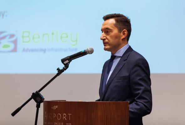 """Furgalski: Zamknięcie Lotniska Chopina to przynajmniej 4 mld zł do """"zaorania"""""""
