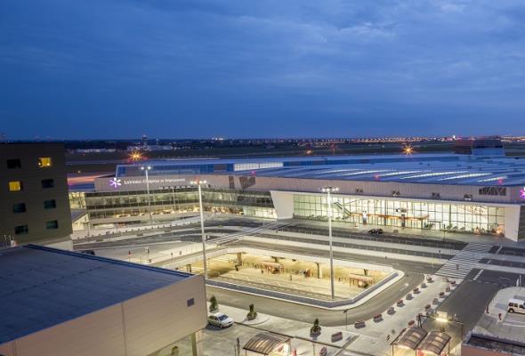 Lotnisko Chopina: Nowy rekord kwietnia, czyli statystyki wciąż w górę