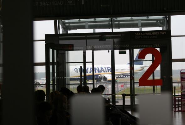 Na lotnisku w Modlinie stanęła pierwsza bramka biometryczna