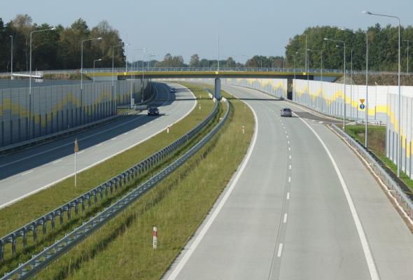 Łódzkie: Ponad 110 km drogi S8 oddane do użytku w 2014 roku