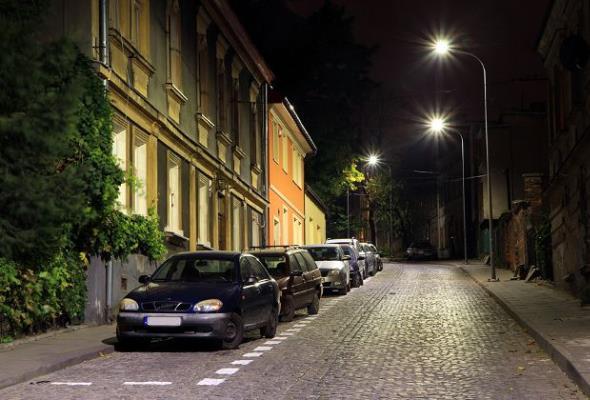 Kraków ze zmodernizowanym oświetleniem ulicznym