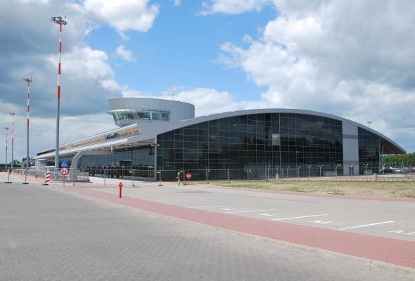 Łódź: Kto zbuduje nowy obiekt ILS/DME na lotnisku?