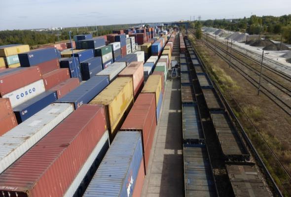 Pekaes rozwija transport na Jedwabnym Szlaku