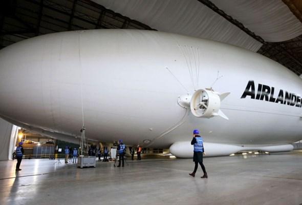 Kończą budowę największego statku powietrznego na świecie