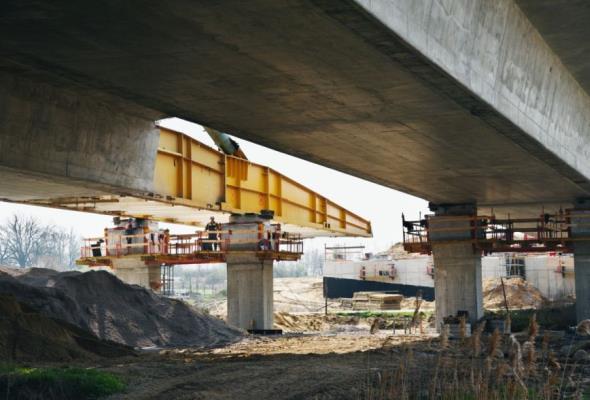 S5: Mosty na Widawie i Ławie prawie gotowe