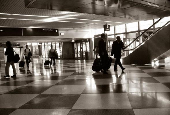 93% deficytowych lotnisk obsługuje poniżej 1 mln pasażerów