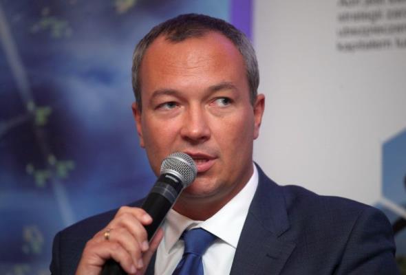 Celejewski: LOT nie rozwinie połączeń regionalnych