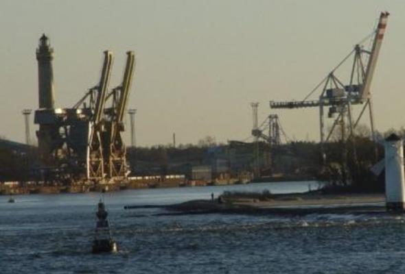 Ruch statków w Świnoujściu odbywa się normalnie